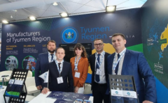 Tyumen entrepreneurs work at an exhibition in Abu Dhabi